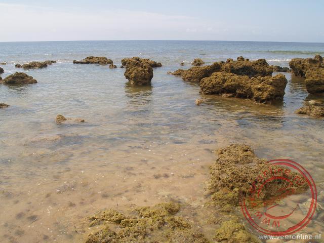 De griilige kust van de Algarve