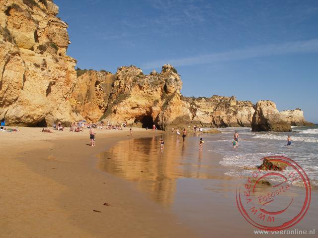 Het strand van Praia d'Alvor