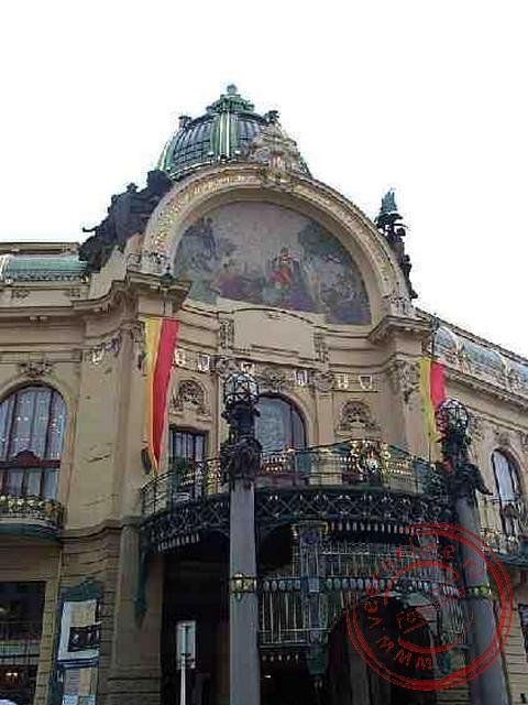 Het gemeenschaphuis uit 1912 is een van de opvallendste jugendstilgebouwen in Praag.