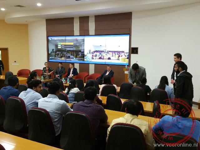 De presentatie aan het team
