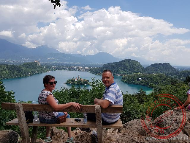 Uitzicht op lake Bled en de bergen