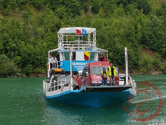 De ferry van Fierza naar Koman
