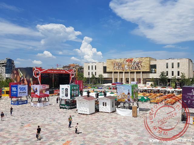 Het Skanderbeg plein in Tirana