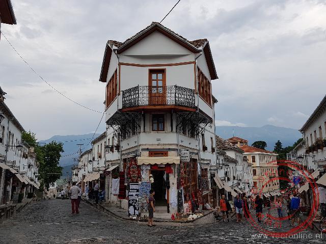 De huizen in het oude centrum van Gjirokaster