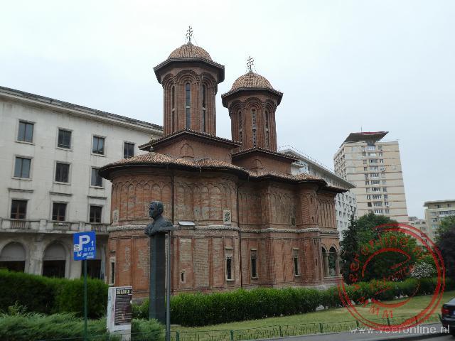De Biserica Kretzulescu in het centrum van Boekarest
