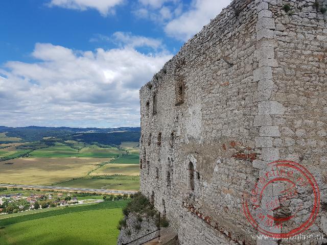 Het uitzicht vanaf het Spis kasteel op het lager gelegen land