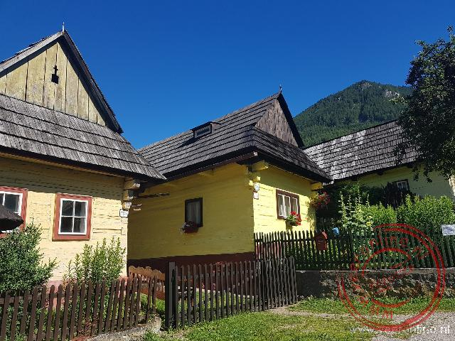 De oude houten huizen van Vlkolinec