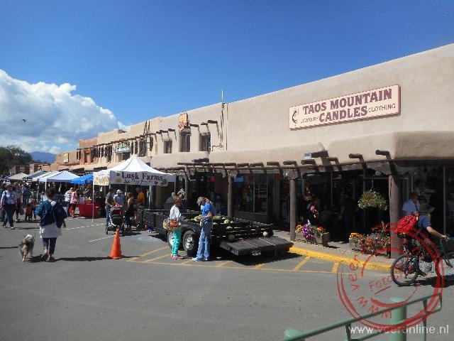 Het gezellige centrum van het plaatsje Taos