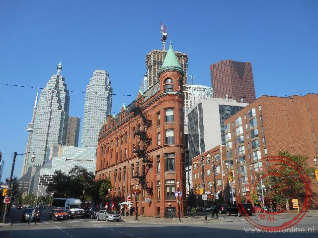 Opvallende gebouwen in het straatbeeld van Toronto nabij de St Lawrence Market