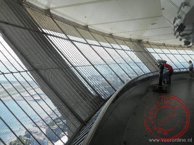 Het uitkijkplatform in de CN Tower