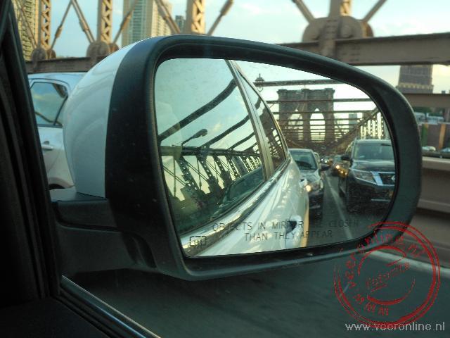 Over de Brooklyn Bridge van Manhattan naar Brooklyn