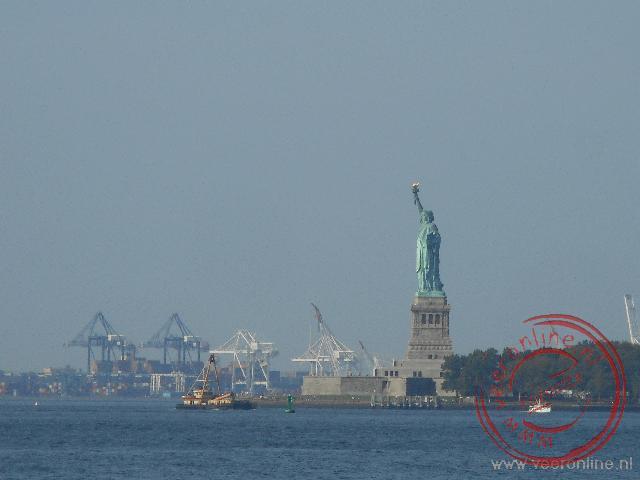 Het vrijheidsbeeld gezien vanaf Manhattan