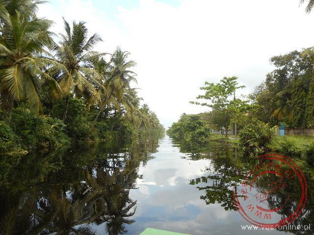 Het Dutch Canal in het natuurgebied Muthurajawela