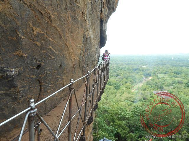 De steile rots was vroeger moeilijk te beklimmen. Tegenwoordig gaat het makkelijker
