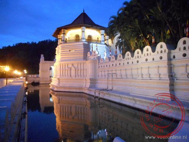 De tempel waar een tand van Boeddha bewaard wordt