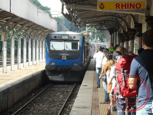 Met de trein naar Naru Oye