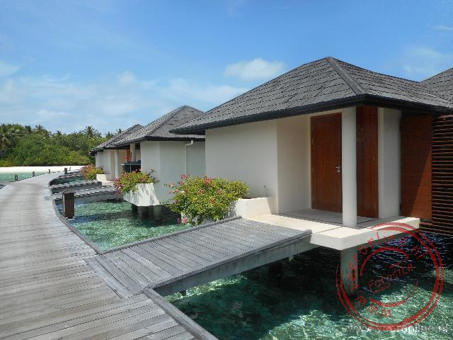 De luxe villa boven het water
