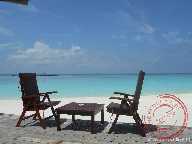 Heerlijk relaxen op het witte strand
