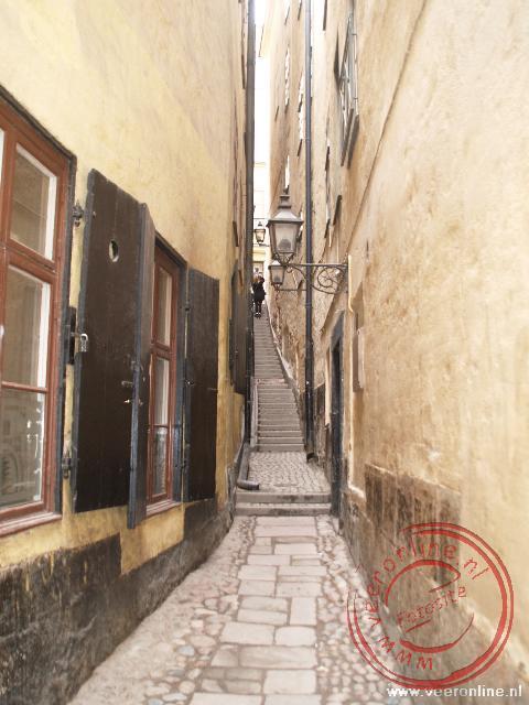 Het smalste straatje van Stockholm is nog geen meter breed