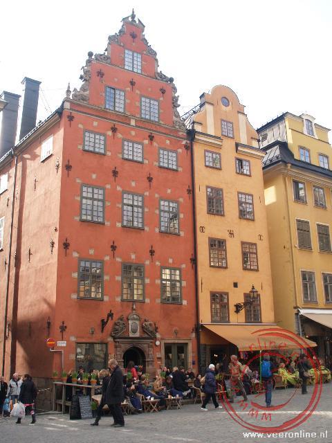 De gekleurde huizen in de oude stad Gamla Stan