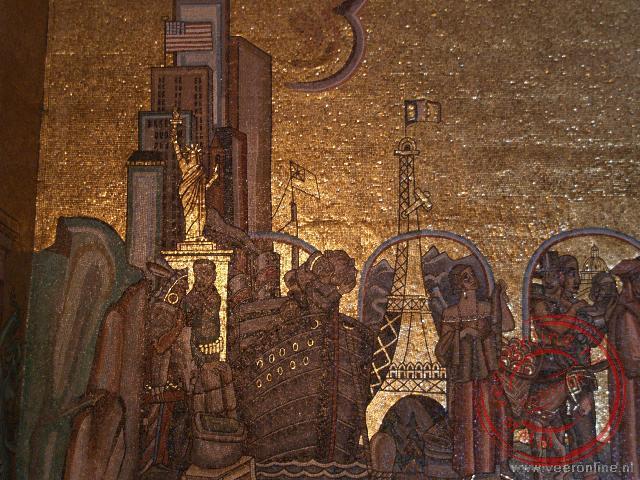 Een detail versiering van de eiffeltoren en het vrijheidsbeeld