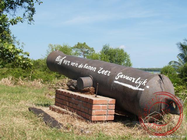 Een oud kanon in fort Nieuw Amsterdam