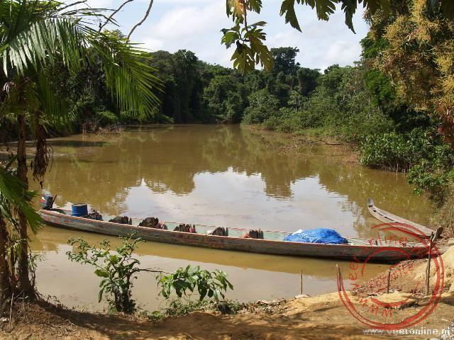 De Grand Kreek. Bij hoog water de doorgang naar de Surinamerivier