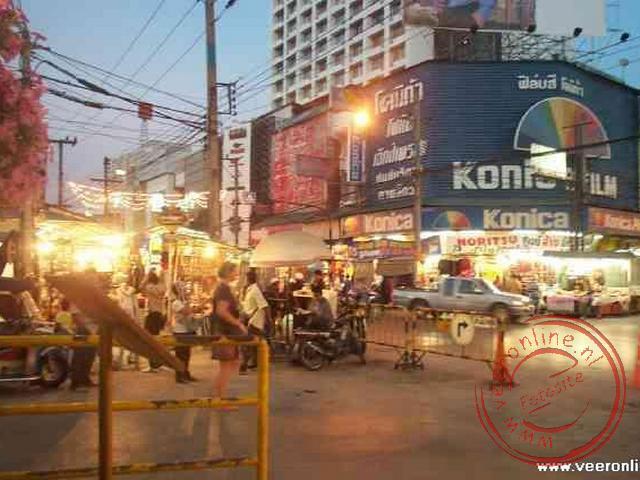 De nacht bazaar van Chiang Mai