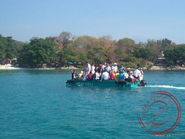 Met een landingsvaartuig naar het eiland Ko Samet