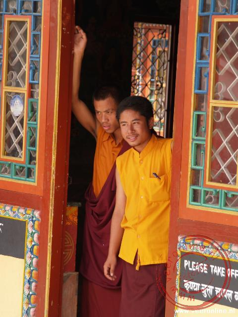 Monniken bij de Bodhnath Tempel