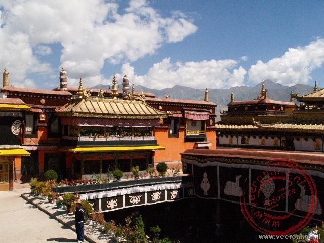 Het dak van de Jokhang tempel