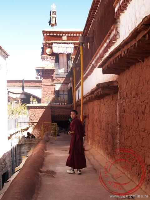 Een monnik in het Ramoche klooster