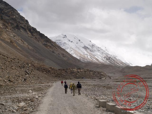 De wandeling naar de campsite bij de Himalaya