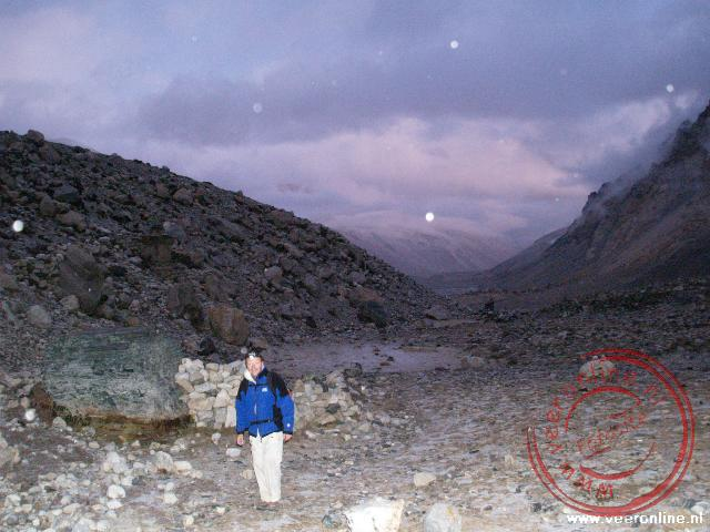 Een wandeling door de sneeuw naar het basecamp van de Mount Everest