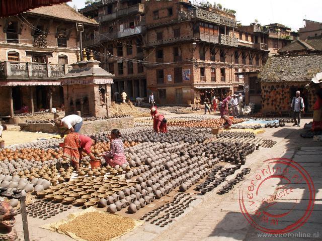 De uitstalling van de potjes in Bhaktapur