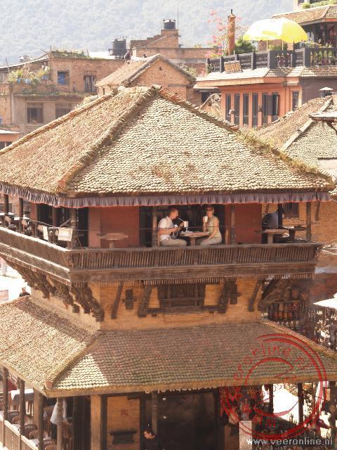 Barry en Renée in een van de tempels bij de Bhaktapur