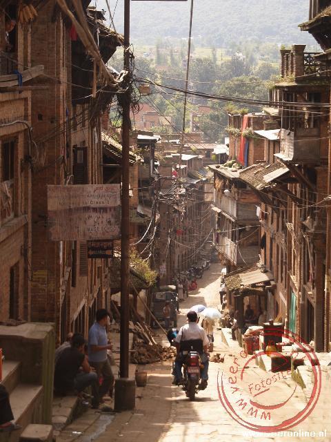 De smalle straatjes rond de Bhaktapur in Nepal