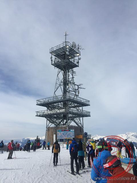 De uitkijktoren bij Alpendorf