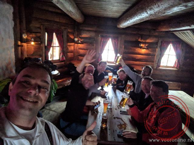 Een biertje tijdens de Apres Ski