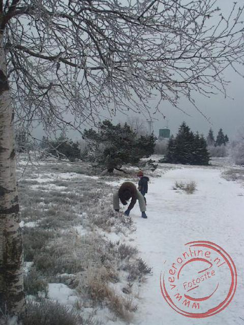 Rene graaft Wouter onder de sneeuw
