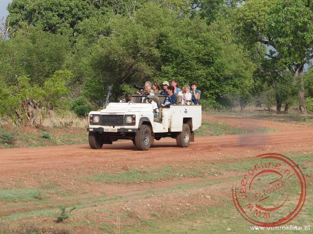 De open Safari Jeep waarmee we door het National Park South Luangwa rijden