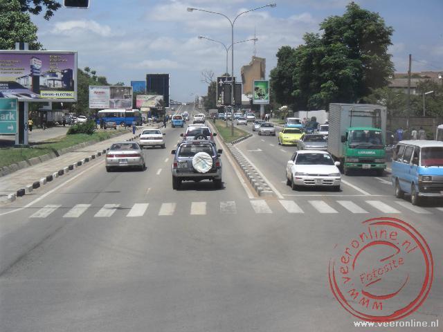 De doorgaande weg in de hoofdstad van Zambia, Lusaka