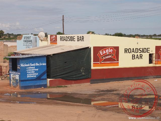Lokale shops langs de kant van de weg