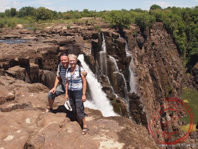 Uitzicht op de oostzijde van de Victoria Falls. In de droge periode stroomt hier weinig water