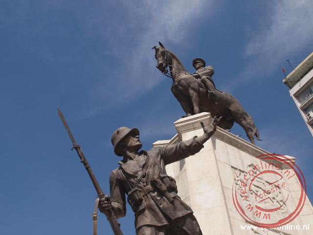 Het standbeeld van Atatürk in het centrum van Ankara