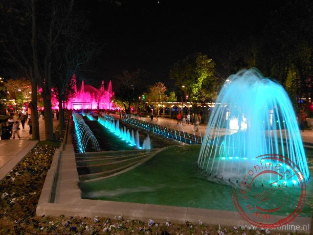 De sound and light show in het Gençlik park in Ankara