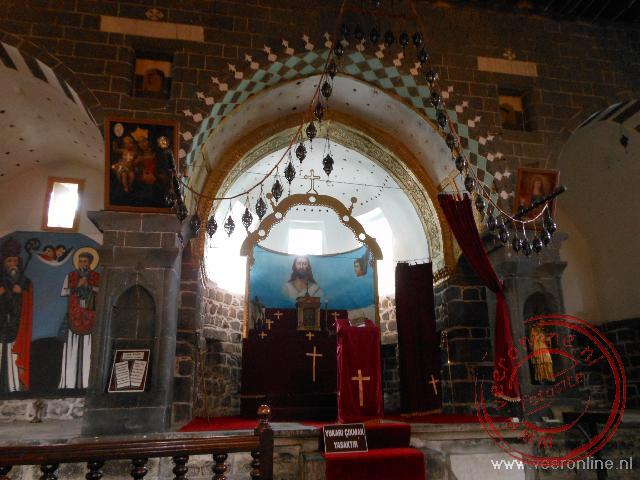 Het interieur van de Keldani Roman Catholic church.