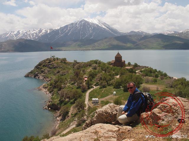 Het eiland Akdamar in het Van meer