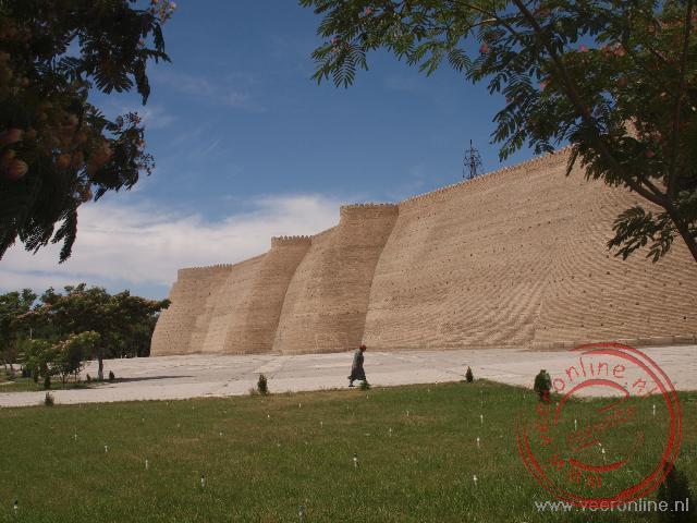 De grote muur van de citadel van Bukhara
