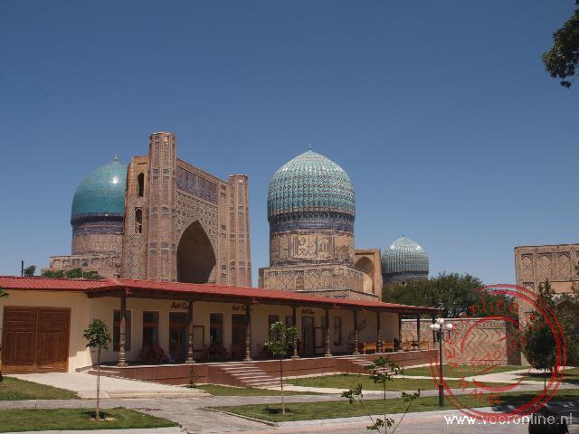 Het Bibi Khan Mausoleum